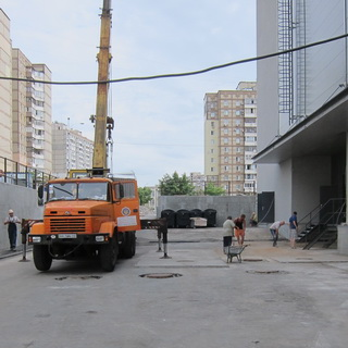 Improvement of the territory of 'Rayon' Shopping Center in Troeschina