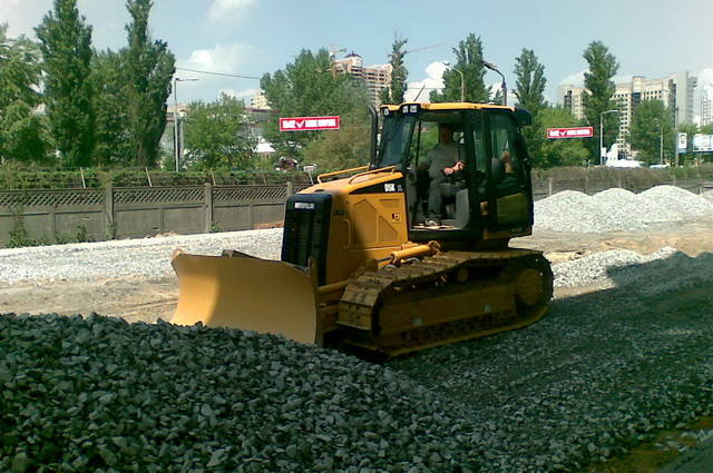 AVTOGRAN Company machinery rental: Bulldozer CAT D5K2