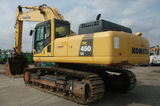 AVTOGRAN Company machinery rental: Crawler excavator Komatsu PC-450-8 с bucketом