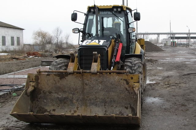 AVTOGRAN Company machinery rental: Skidsteer Loader Caterpillar 444 E