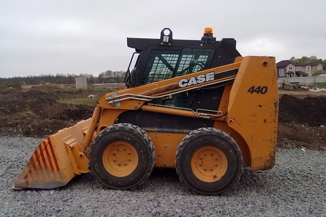 AVTOGRAN Company machinery rental: Skid Steer Loader Case 440